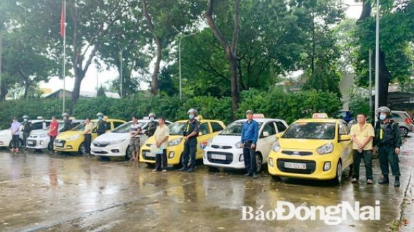 Đồng Nai: Tranh giành khách, nhóm tài xế taxi ẩu đả trước cổng bệnh viện
