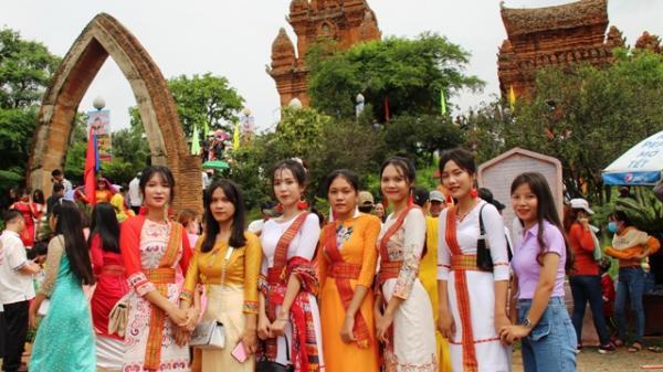Ninh Thuận: Rộn ràng Lễ hội Katê