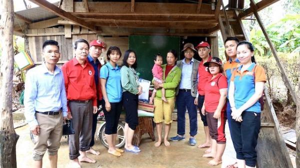 Huyện Sóc Sơn trao tặng hơn 1 tỷ đồng nhu yếu phẩm cho đồng bào vùng lũ Quảng Trị