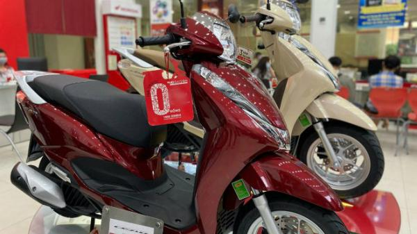 """Nhiều mẫu xe máy bán rẻ cuối năm, giá Honda Lead """"nhỉnh"""" hơn 36 triệu đồng"""