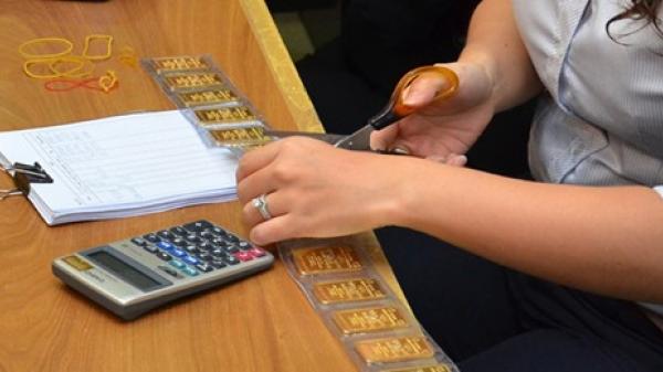 Giá vàng hôm nay 26/2: Người mua mất cả triệu đồng mỗi lượng