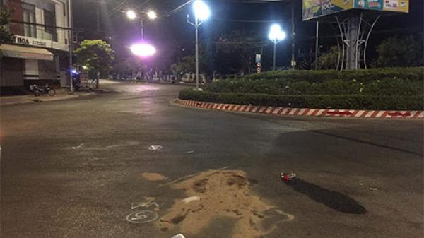 Bình Thuận: Tự tông vào vòng xoay, nam thanh niên tử vong
