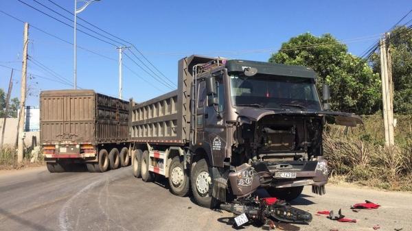 Bà Rịa–Vũng Tàu: Đối đầu xe tải, nam thanh niên tử vong thương tâm