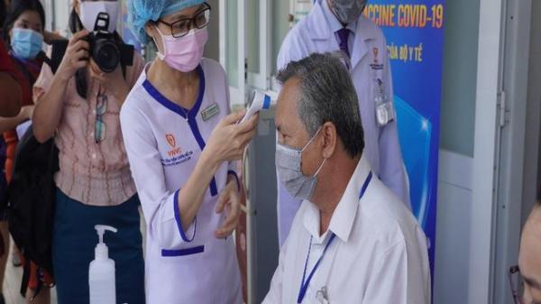 Bà Rịa- Vũng Tàu: Tiêm vaccine ngừa COVID-19 cho cán bộ y tế