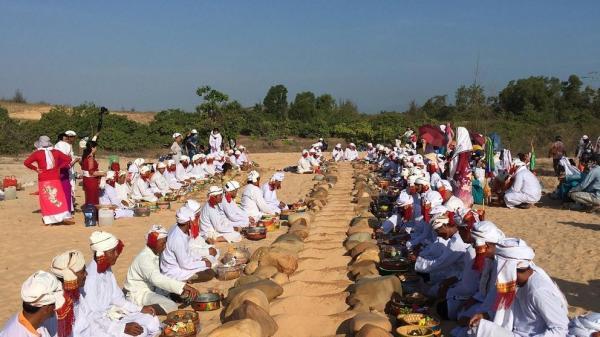 Tết Ramưwan lễ hội văn hóa đặc sắc của người Chăm ở Bình Thuận