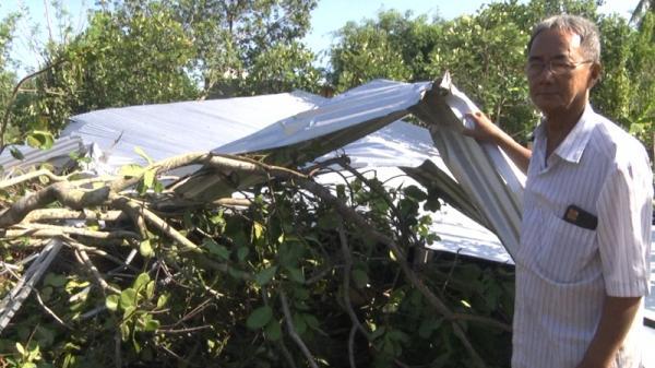 Mưa kèm lốc xoáy gây thiệt hại nặng ở Đồng Nai