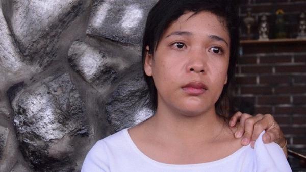 """Mẹ bé gái 13 tuổi nghi tự tử vì bị hàng xóm xâm hại: """"Ước gì, con tôi có thể sống lại được"""""""