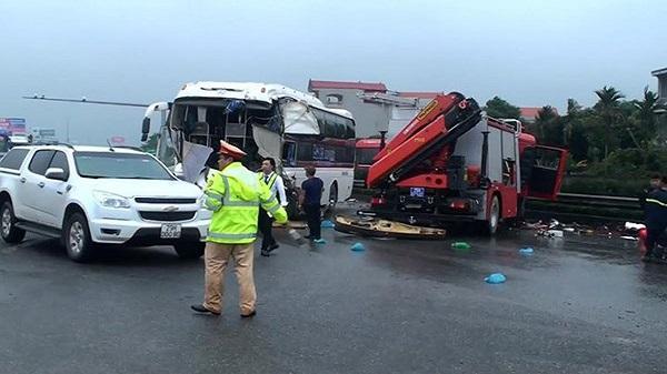 Đánh giá lỗi hai tài xế vụ xe khách đâm xe cứu hỏa trên cao tốc Pháp Vân-Cầu Giẽ