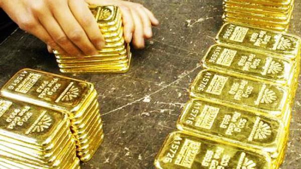 """""""Nóng"""" chiến tranh lạnh, giá vàng có thể tăng"""