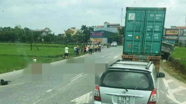 Tai nạn thương tâm hai mẹ con tử vong tại chỗ sau khi đối đầu với xe tải