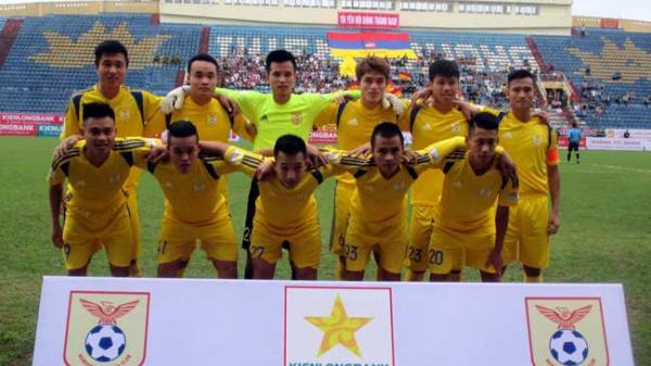 Nam Định vững vàng ngôi đầu bảng