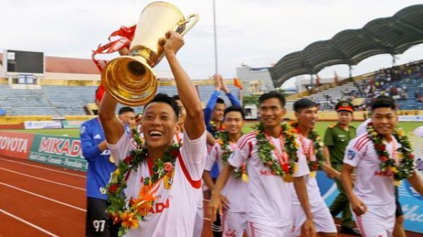 Nam Định giành quyền thăng hạng: 7 năm cho một tấm áo rộng