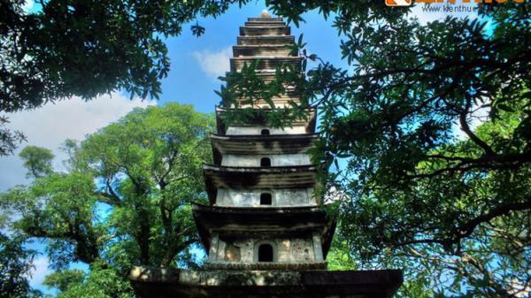 """Về Nam Định thăm ngôi chùa cổ trên tờ 100 đồng """"huyền thoại"""""""