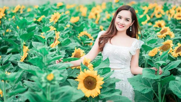 Nhã Thanh Bolero hát trong đêm nhạc từ thiện tại quê nhà Nam Định