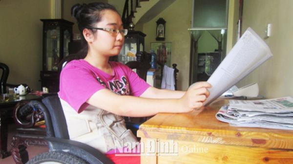 Nam Định: Cảm phục trước nghị lực của một học sinh khuyết tật