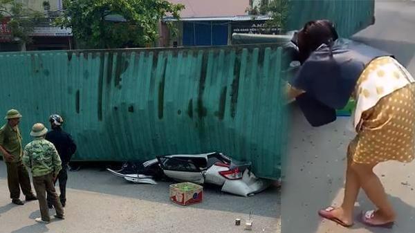 Hình ảnh bức xúc: Người phụ nữ gội đầu dở, lao ra hiện trường dí sát điện thoại vào nạn nhân chụp ảnh