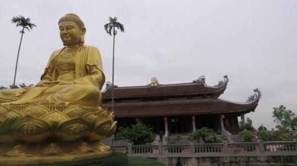 Ai về Ý Yên (Nam Định) đừng quên ghé chùa Vạn Điểm