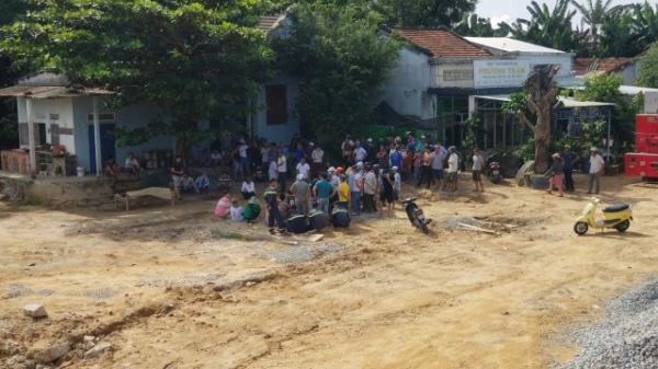 Quảng Nam: Rơi xuống hồ tôm, bé trai 19 tháng tuổi đ uối nước thương tâm
