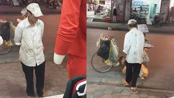 Xúc động: Người đàn ông thu mua ve chai đứng tần ngần trước shop quần áo phụ nữ và lời hẹn nhất định mua quà tặng vợ khiến bao người rưng rưng