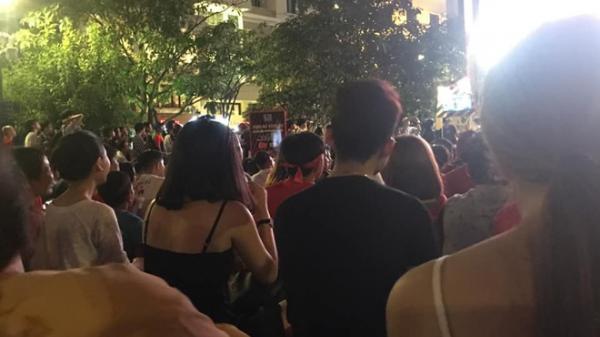 """""""Em lạc vợ em rồi"""" câu nói gây xôn xao đám đông trong trận bán kết lượt đi giữa Việt Nam - Philippines"""