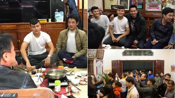Không màu mè phô trương, Quang Hải tranh thủ trở về trong vòng tay bố mẹ và người thân sau chiến thắng tại AFF Cup 2018