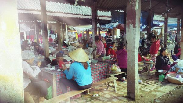 Cảnh chợ quê giản dị ngày cuối năm khiến dân mạng thổn thức đếm ngược từng ngày Tết sang