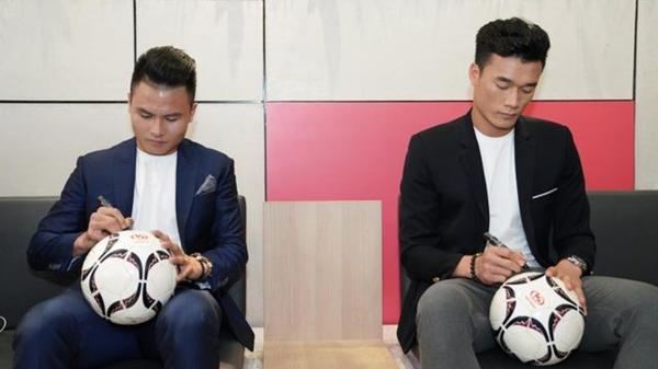 Bùi Tiến Dũng về Hà Nội FC, hội Quang Hải, Văn Hậu hoang mang ngơ ngác