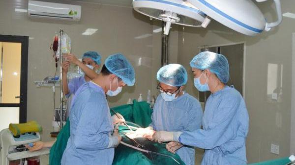 Người phụ nữ nhập viện sau 2 tuần chậm kinh nguyệt, bác sĩ vội báo động đỏ toàn bệnh viện