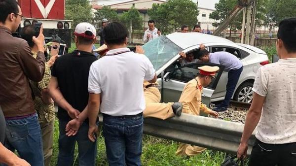 Vụ tàu hỏa h.úc văng ô tô: 5 nạn nhân trên xe đi ăn cưới đều là anh em