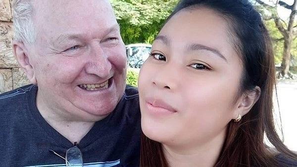 Quen nhau qua m.ạng, cô gái 23 tuổi quyết định yêu và cưới ông lão U70