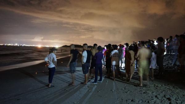 3 nam sinh bị đ.uối nước trong lúc tắm biển, 1 người Gia Lai bị sóng cuốn m.ất tích