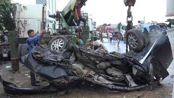 Hé lộ danh tính nạn nhân vụ container đ.âm ô tô bẹp dúm khiến 5 người t.ử vong khi đang trên đường đi khám bệnh