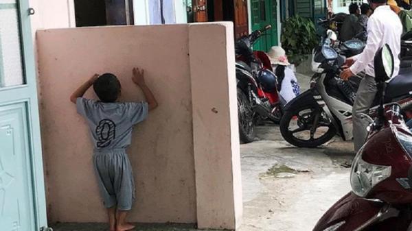 Bé gái 3 tuổi bị xe đưa rước c.án t.ử v.ong: Anh gào khóc gọi tên em