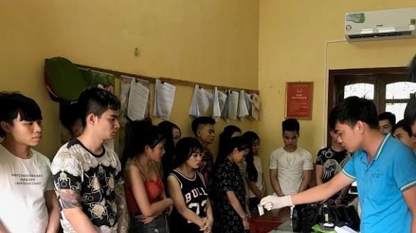 Đ.ột k.í.ch t.ó.m g.ọ.n 14 nam thanh nữ tú sử dụng m.a t.ú.y mua tại Nam Định trong khách sạn
