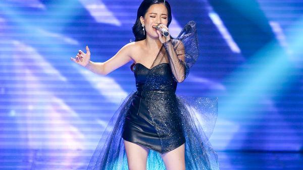 Vòng Playoffs - The Voice 2019: Lâm Bảo Ngọc quê Nam Định trình diễn xuất sắc, HLV Hồ Hoài Anh hứa tặng hit riêng