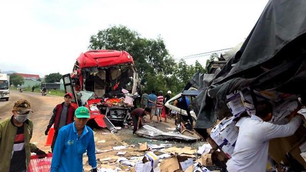 Tai nạn nghiêm trọng: Xe khách đối đầu trực diện xe tải, hai tài xế ch.ết kẹt trong cabin