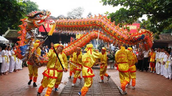Du khách nô nức về Nam Định dự Lễ hội truyền thống đền Trần