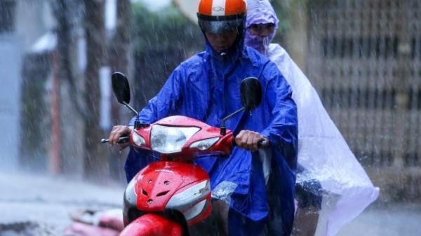 Thời tiết ngày 11/10: Mưa to ở Bắc Bộ, Trung Bộ, Hà Nội, đêm mai không khí lạnh tràn về