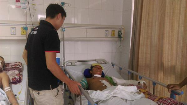 """Xót xa người bố """"gà trống nuôi con"""" nhưng bị liệt giường vì tai nạn: Tan giấc mộng xây một mái ấm cho con"""