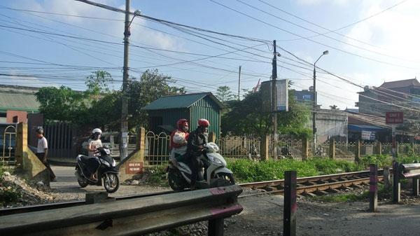 Cấp bách đảm bảo ATGT đường ngang qua Nam Định