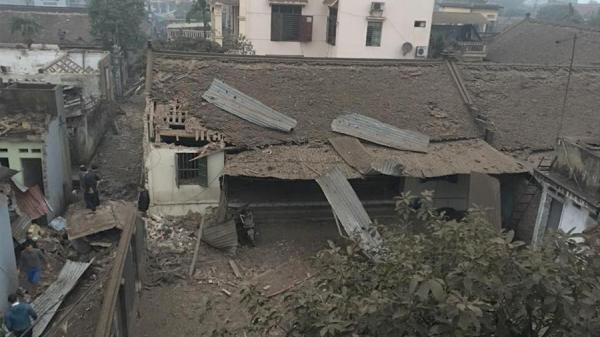 Báo nước ngoài đưa tin và ảnh hiện trường tan hoang sau vụ nổ lớn ở Bắc Ninh
