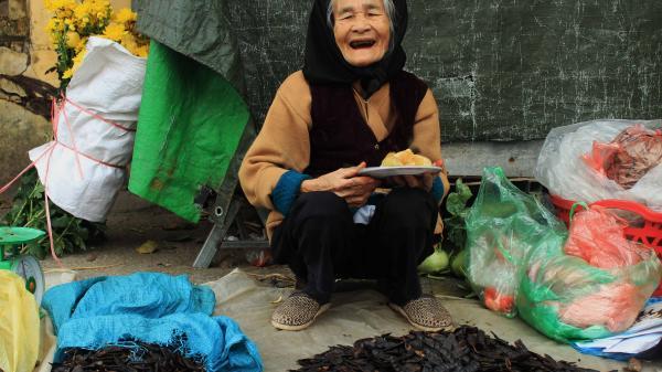 TẾT VỀ NHỮNG HÌNH ẢNH ĐỌNG TRONG TIM: Chợ quê, nơi lưu giữ nguyên vẹn những mảng kí ức về Tết xưa