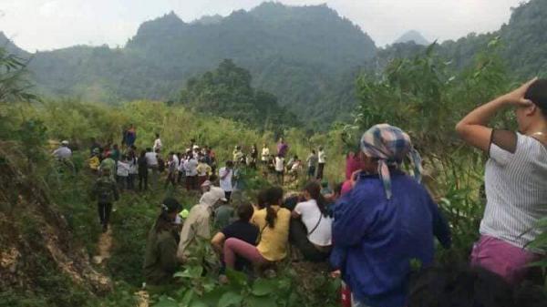 Hòa Bình: Bàng hoàng phát hiện thi thể nam giới phân huỷ dưới đèo Thung Khe