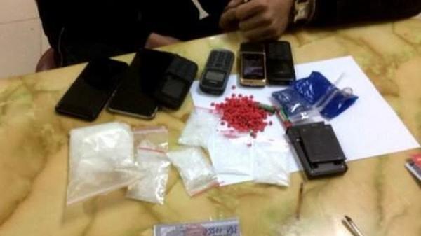 CSGT Hòa Bình liên tiếp bắt giữ ma túy trên đường tuần tra