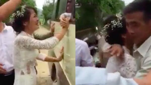 Clip: Lấy chồng xa, cô dâu nức nở níu tay người thân khi nhà gái ra về sau hôn lễ