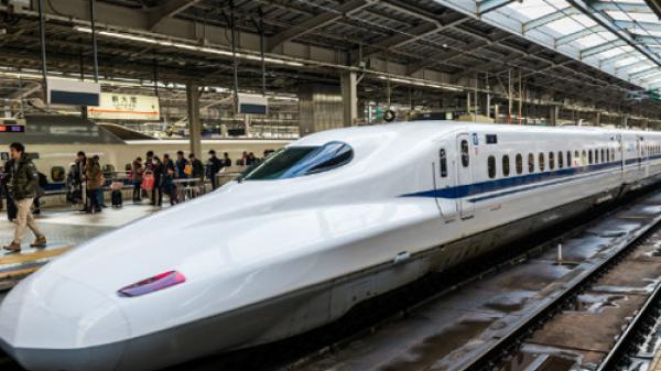 Tàu tốc độ cao chạy Hà Nội - Vinh hết 1h20 phút