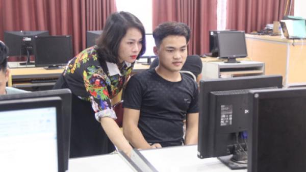 Tuyên dương toàn quốc cậu học trò Ơ Đu giàu nghị lực ở Nghệ An