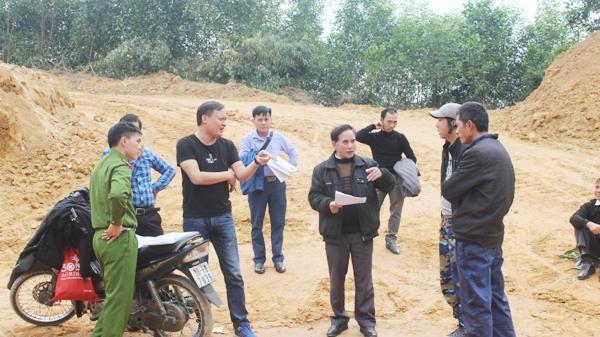 Hoạt động khai thác đất trái phép núp bóng nông thôn mới ở Hà Tĩnh khiến dư luận vô cùng bức xúc