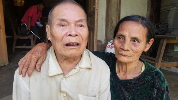 Cụ bà 86 tuổi ở Hà Tĩnh mong có gạo cho chồng m.ù và con trai t.àn ph.ế