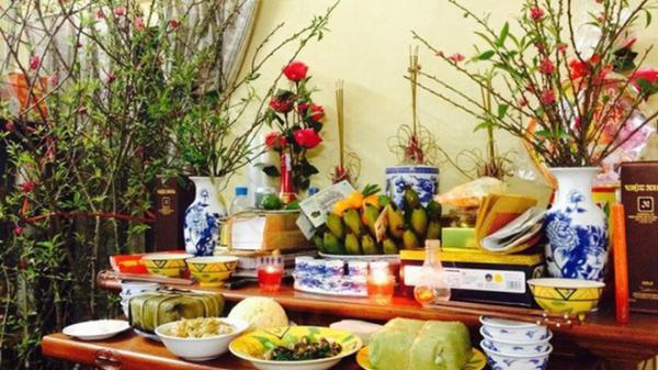 Những điều kiêng kỵ trên bàn thờ ngày Tết Nguyên đán để tránh mất lộc, ra tài